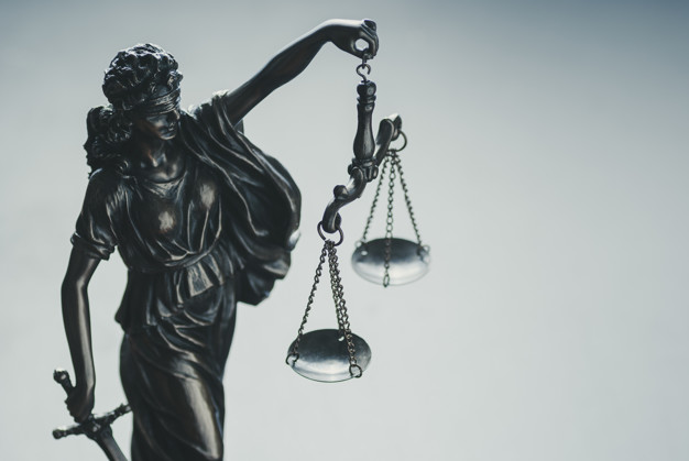 Avocat en droit des affaires, fiscalité internationale et impôt